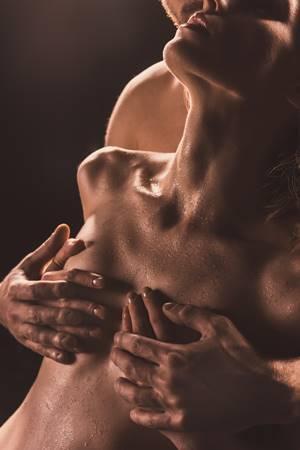 女性が乳首責めをされたい理由